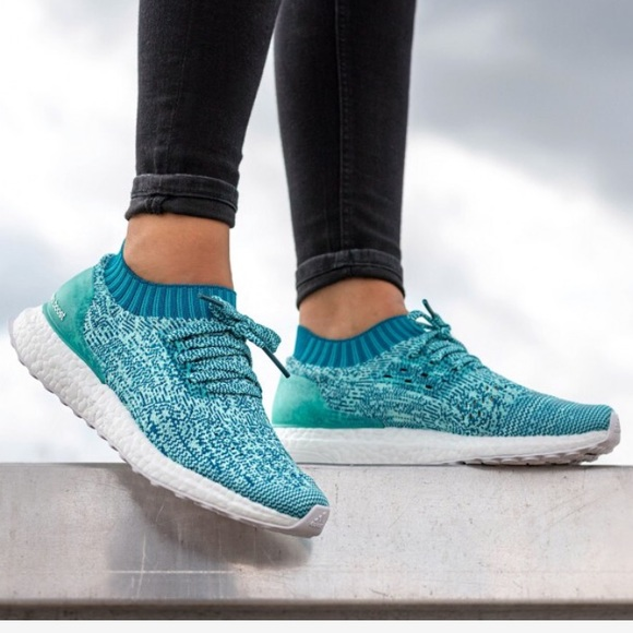 the latest 388ae d5a4a NEW • Adidas • Ultraboost Uncaged Sneakers Aqua